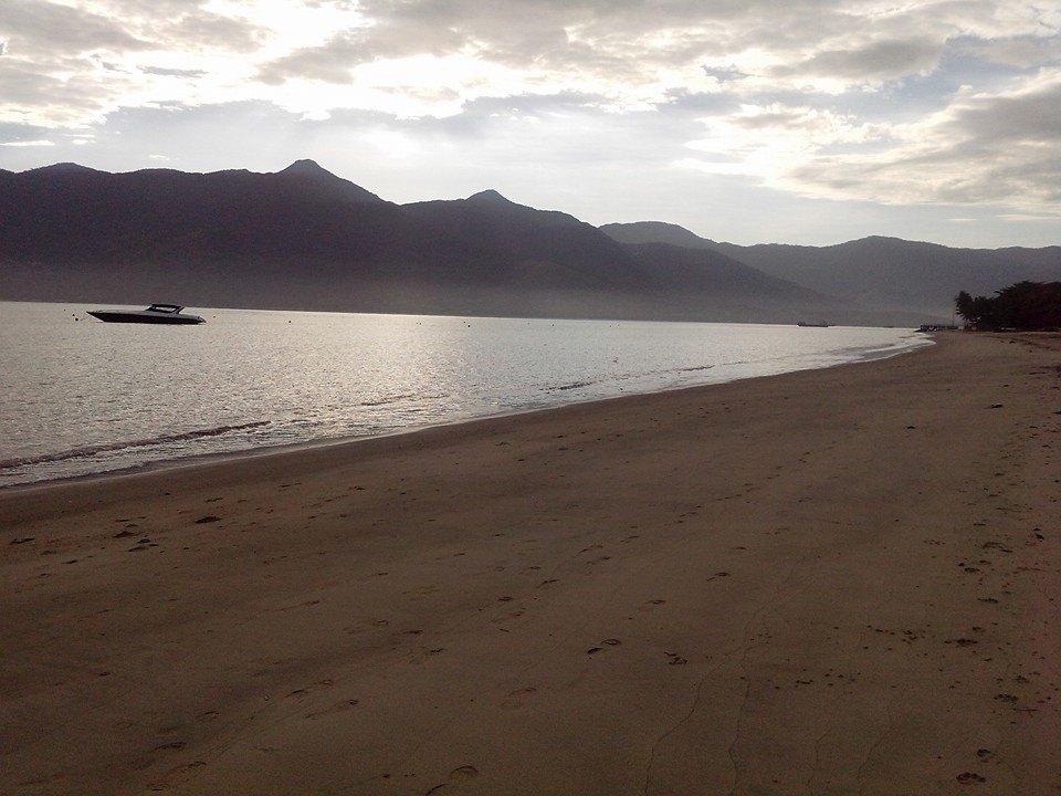 Caminhada matinal no Pontal, com o suave som das ondas.
