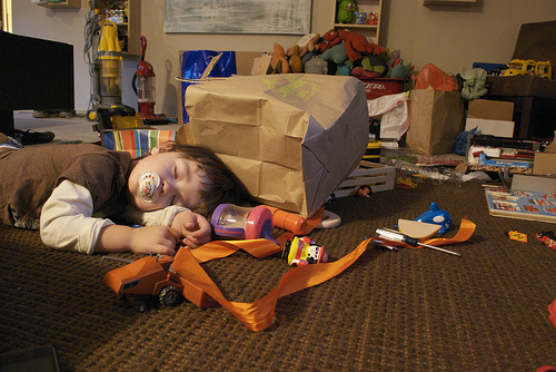 kid-asleep-toys-everywhere